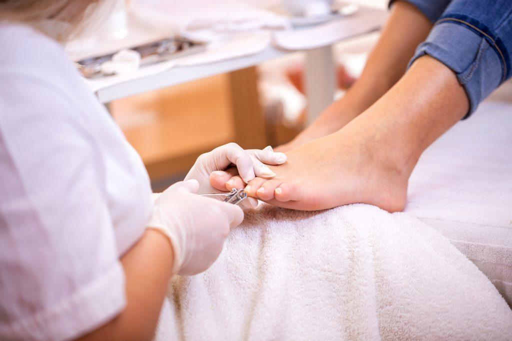 twarde paznokcie u nóg